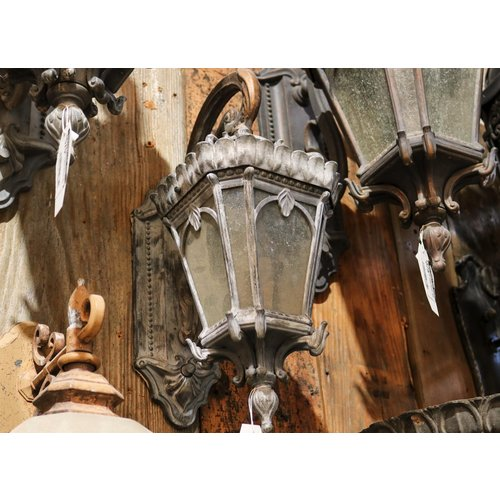 Victorian Style Exterior Sconce Light