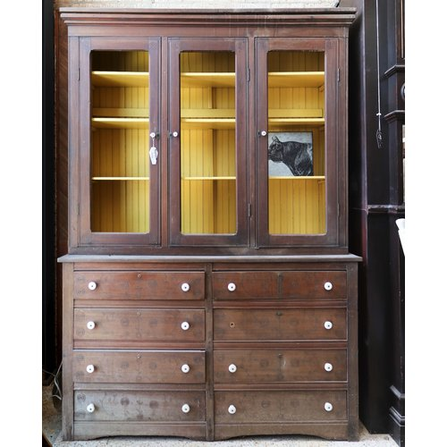 Cabinet with 8 Drawers and 3 Shelves