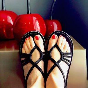 Vines Empress Flat Sandal *DISCONTINUED*
