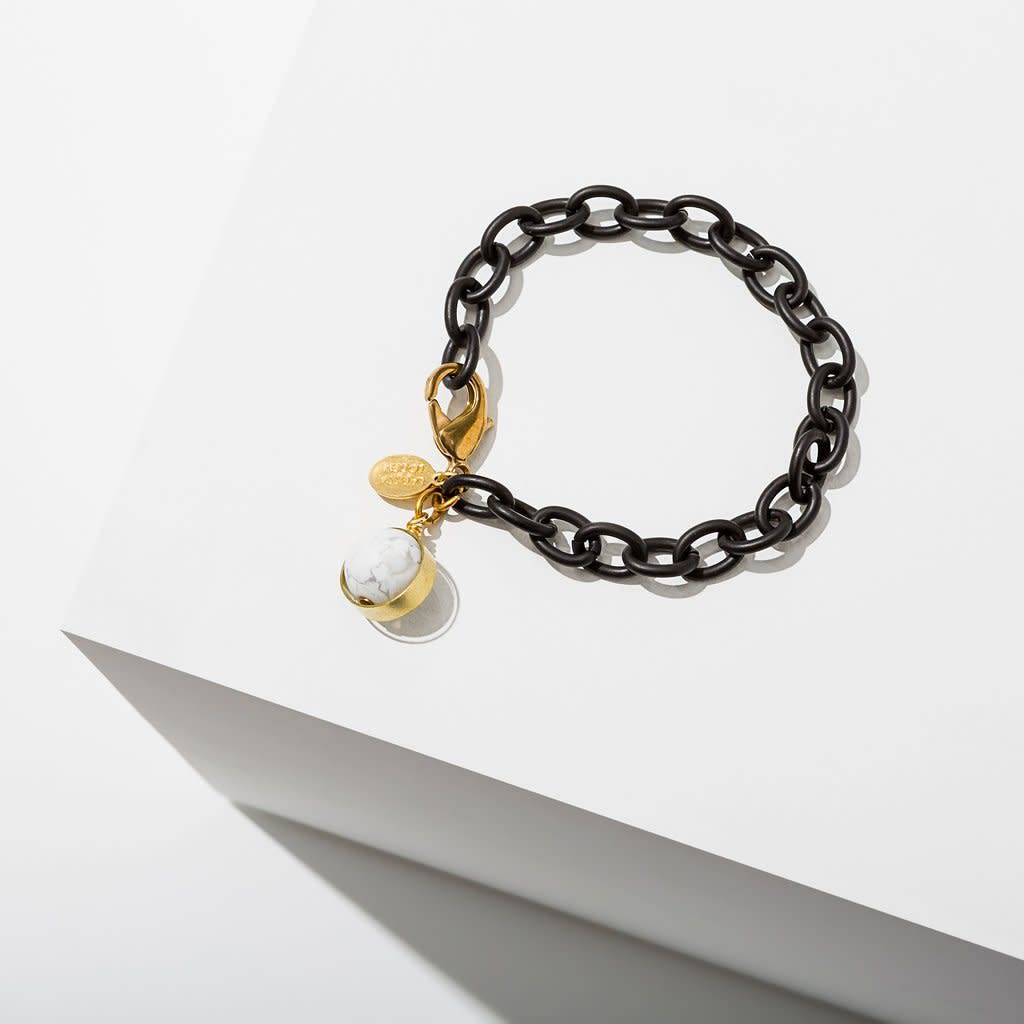 Howlite Dahlia Bracelet