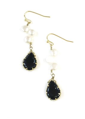 Onyx & Freshwater Pearl Dangle Earring