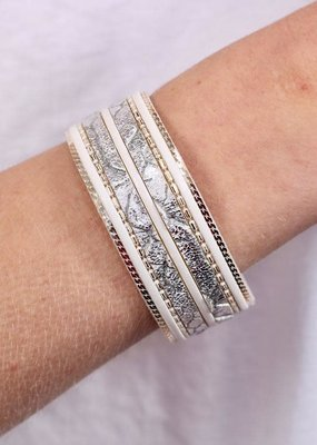 Caroline Hill Sassy Snake Leather White Magnetic Bracelet