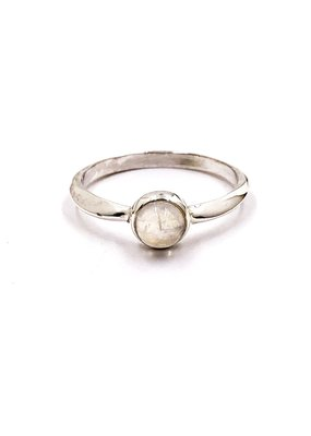 Tathata Europe Sterling Silver Shaped Band Rainbow Moonstone SZ 6 Ring