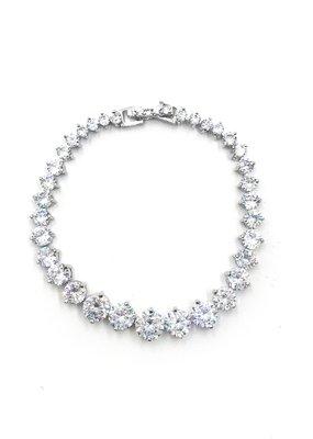 Gradually Bigger AAA CZ Tennis Bracelet in Silver
