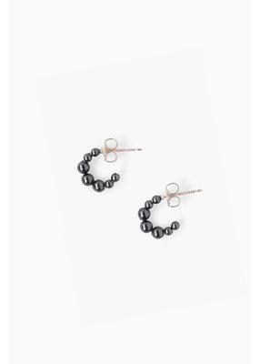 CHAN LUU Petite Black Pearl Holly Hoop Earrings