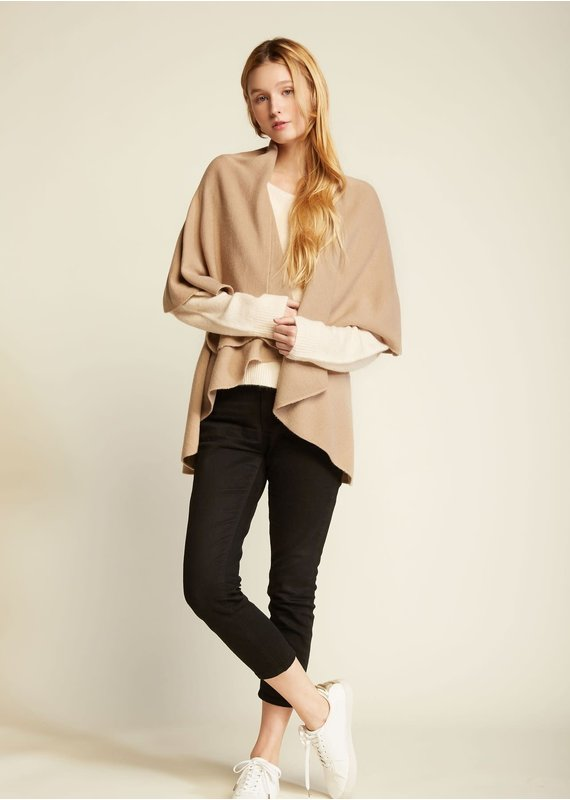 Look By M Basic Camel Shawl Vest