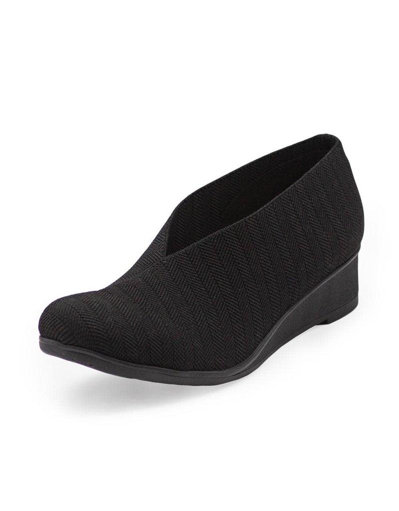 Charleston Shoe Co Cape in Black Herringbone