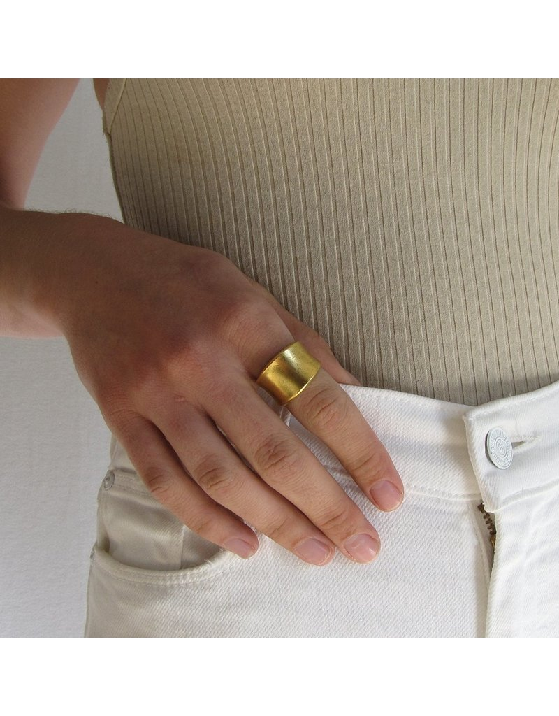 Ornamental Things Concave Band Ring