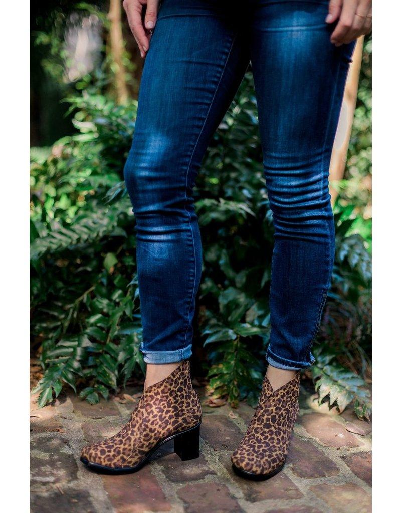 Charleston Shoe Co Telfair Boot Leopard