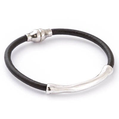 Trades Black Leather Bracelet with Silver Bar and Magnetic Clasp