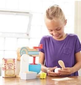 melissa and doug wooden make a cake mixer