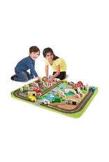 melissa and doug deluxe road rug play set