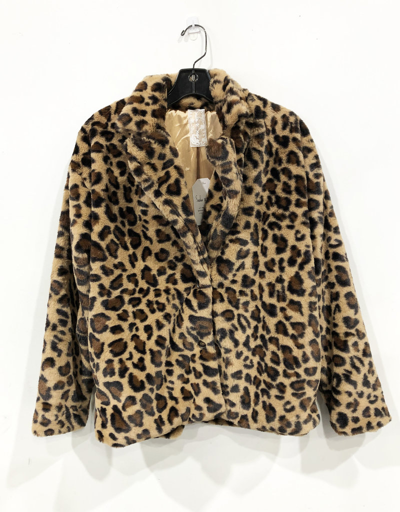 lady leopard fur jacket
