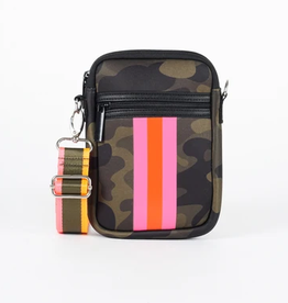 casey cellphone purse - camo