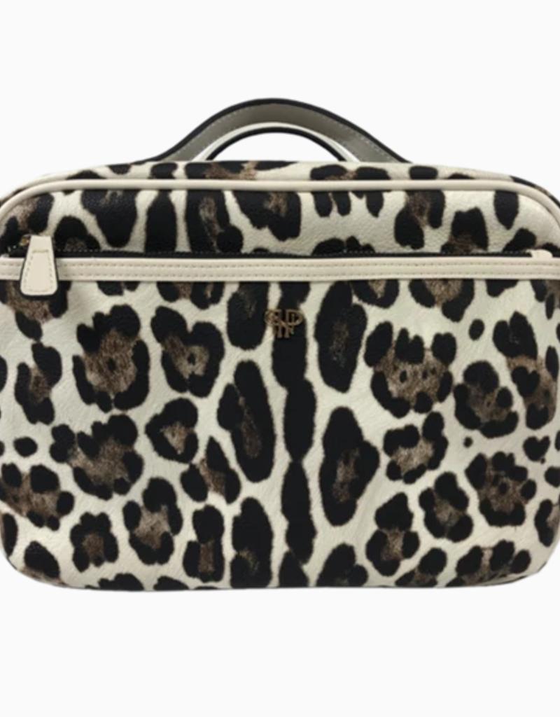PurseN leopard liea getaway toiletry case