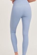 essential performance highwaist legging