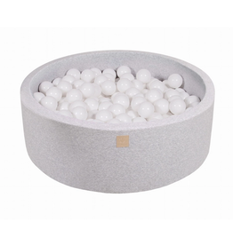 foam pall pit with balls (200)