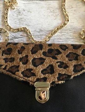 Trendsetting Leopard Clutch