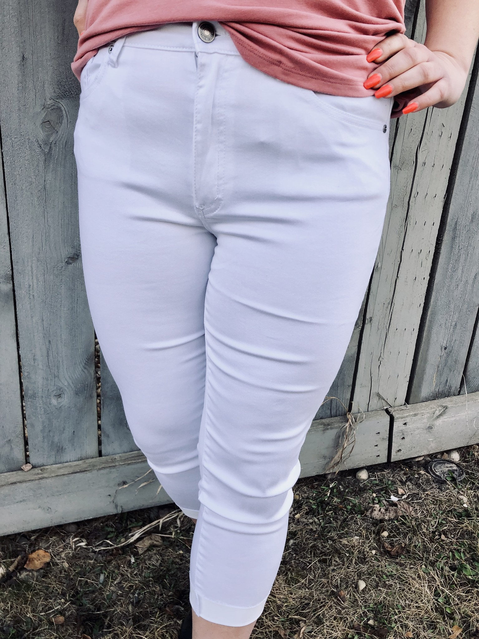 Fresh Into White Capri