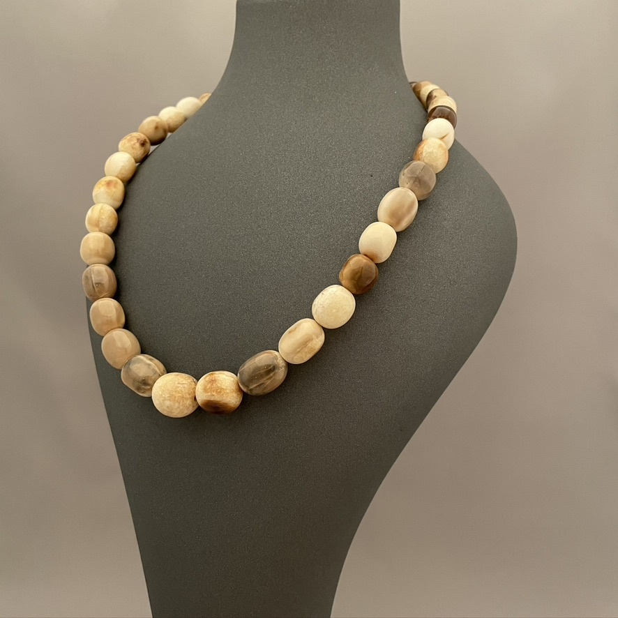 Bold Ivory Bead Necklace #533