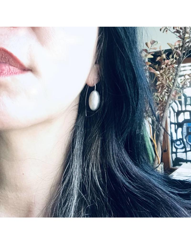 Christina Odegard Matin Ovale Small Earrings in Brushed Silver