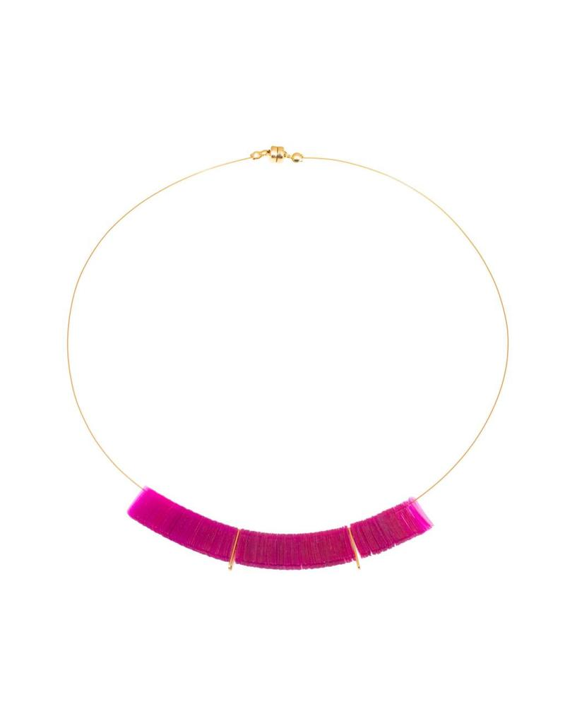 Delirium Arch Necklace in Magenta