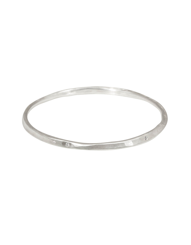 Oval Hammered Twist Bangle with (5) White Diamonds in Brushed Silver