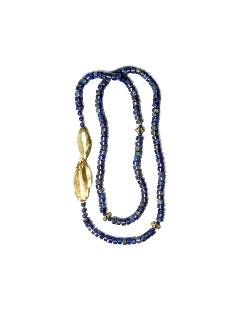 Callistemon Bead Necklace in Yellow Bronze with Lapis Lazuli