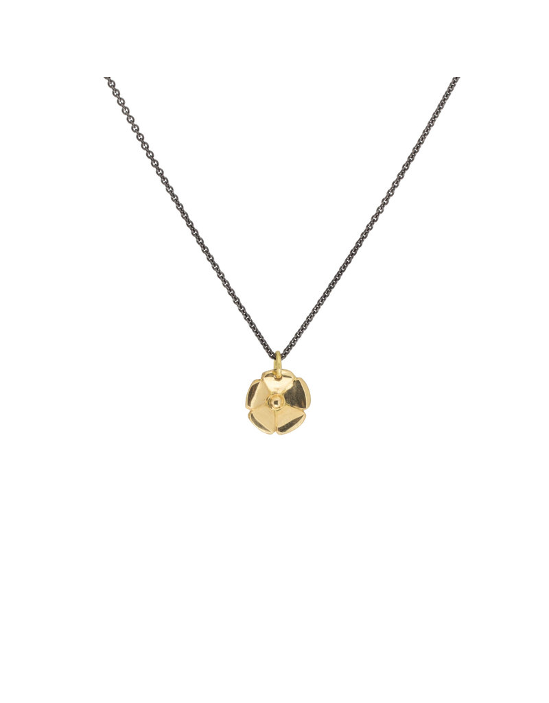 Flower Button Pendant in 18k Yellow Gold