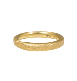 Medium Silk Textured Band in 18k Yellow Gold