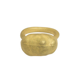 Matin by Christina Odegard Épaisse Germaine V Ring in 18k Yellow Gold