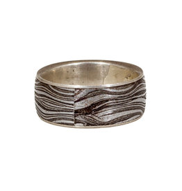 Ring in Damascus Steel with Silver Liner