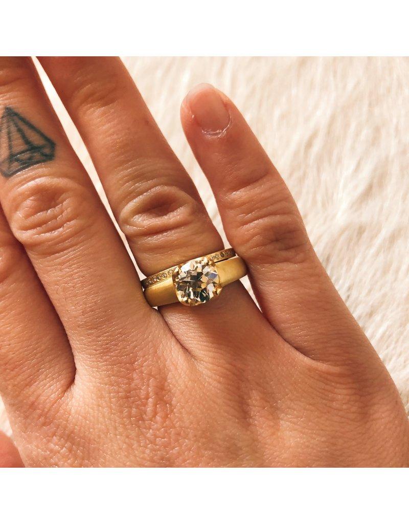 Eternity Band Brilliant Cut Diamonds in 18k Yellow Gold