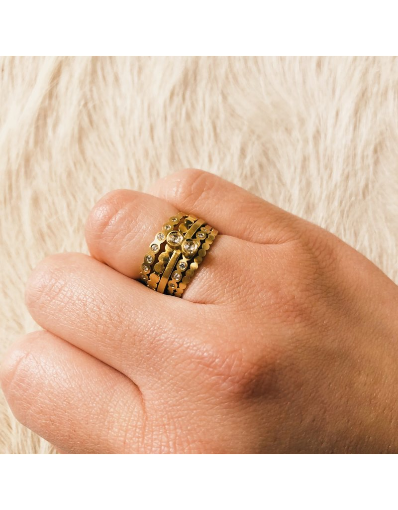 Flat Beaded Band in 18k Yellow Gold