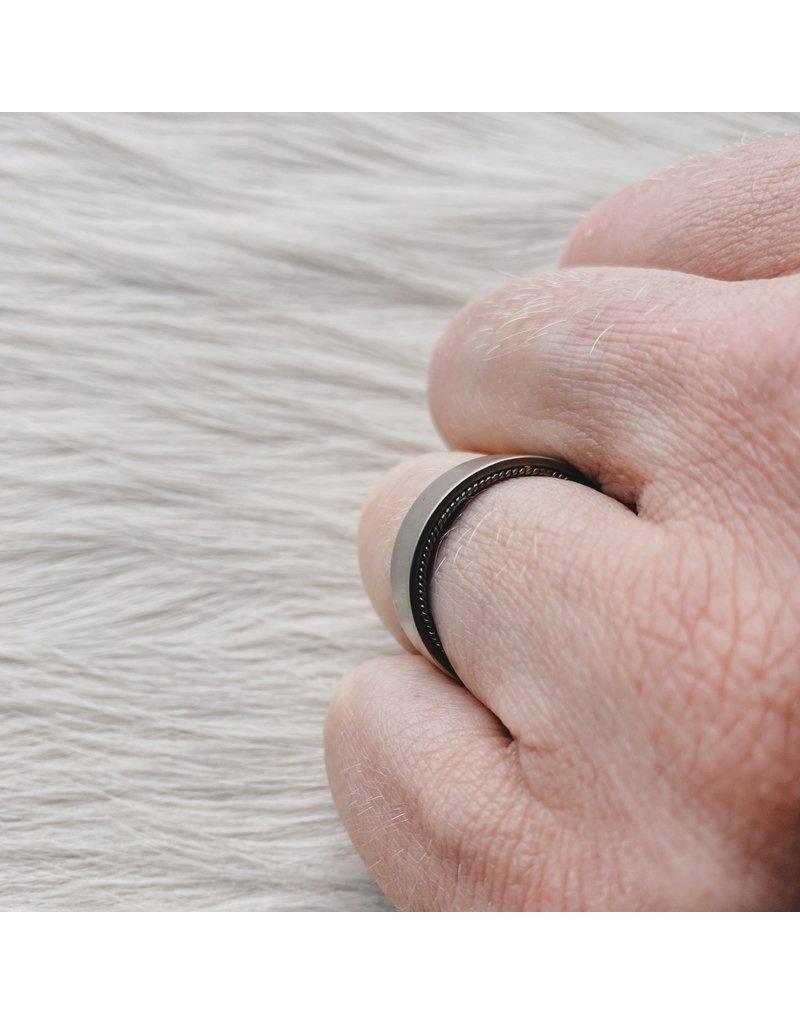 Filigree Ring in 18k White Gold