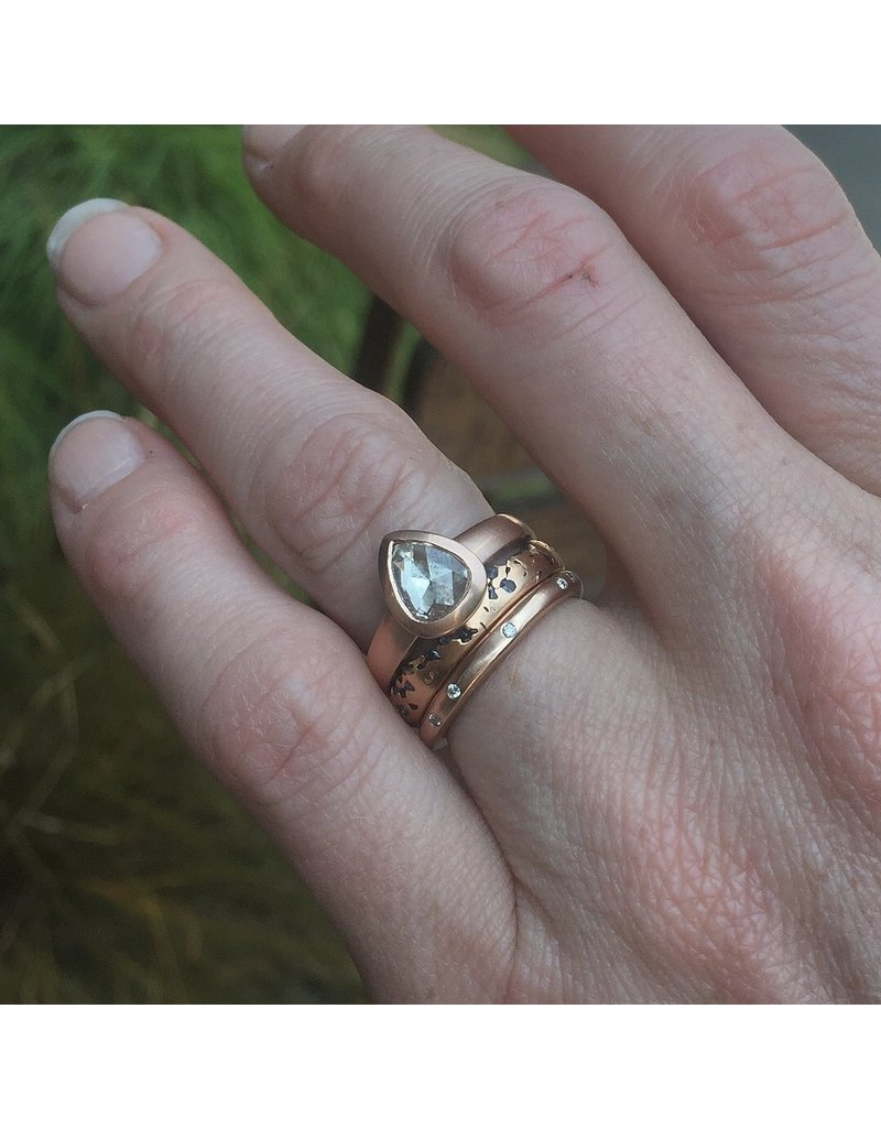 2.5mm Modeled Band with Mixed Diamonds in 14k Rose Gold