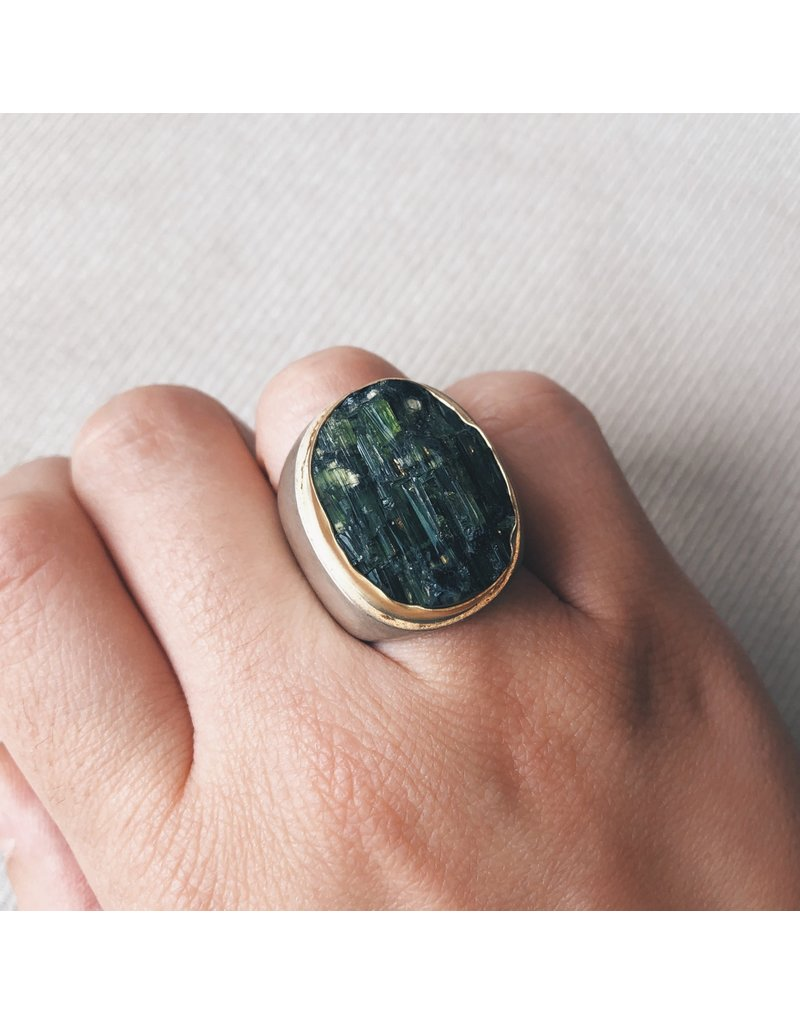 Rough Tourmaline Oval Ring in 18k Yellow Gold and Brushed Silver