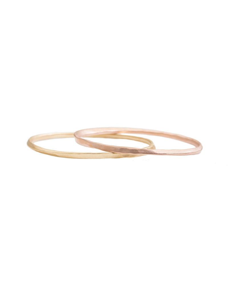 Oval Hammered Twist Bangle in 18k Rose Gold