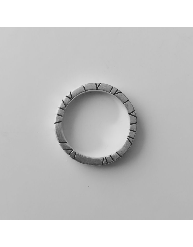 Trevi Pendro Redwood Ring with Spinel in Silver