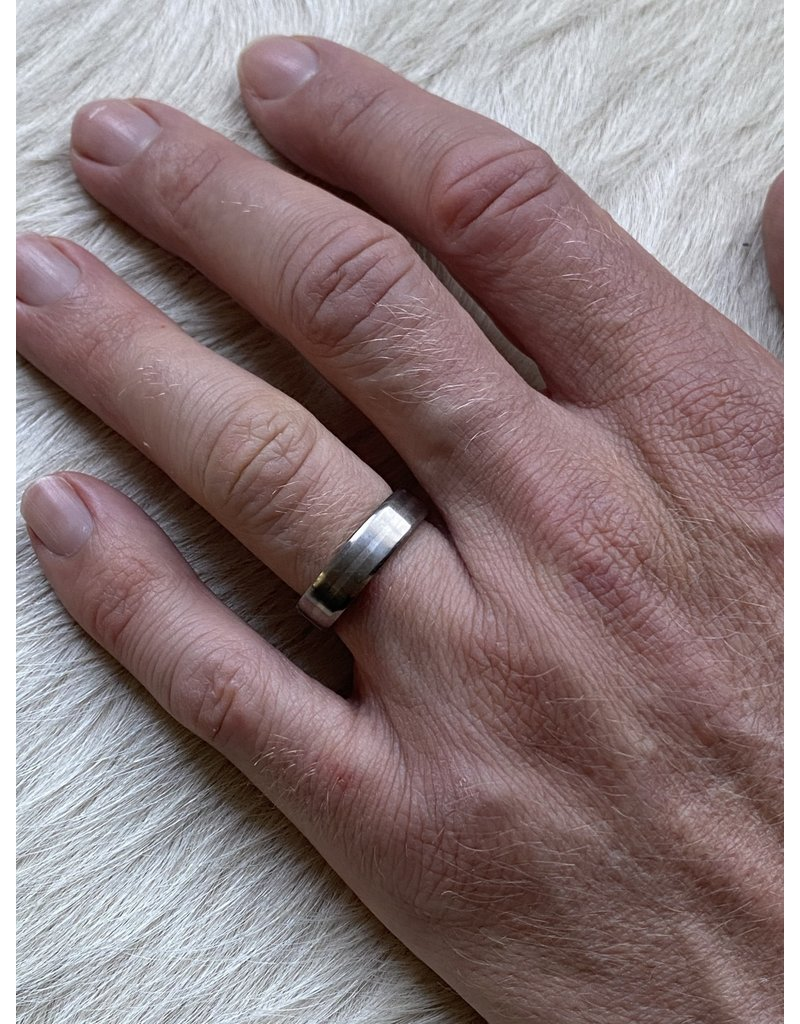 6mm Finger Shaped Band in Titanium with Centered Palladium Inlay