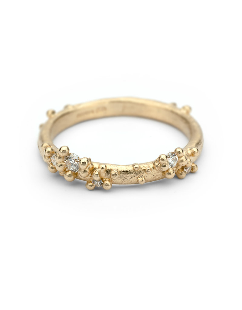 Half Round Band with Diamonds and Granules in 18k Yellow Gold