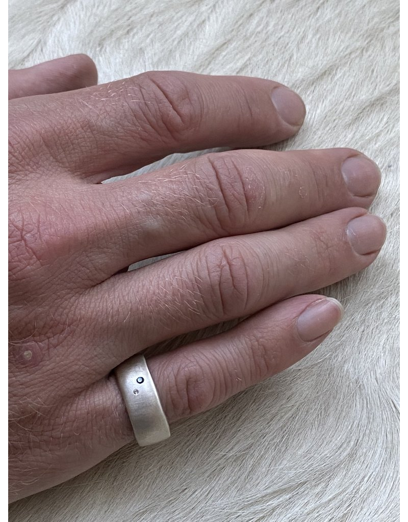 8.5mm Modeled Ring with White and Black Diamonds in Silver