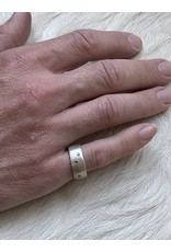 8.5mm Modeled Ring with Diamond Mackles