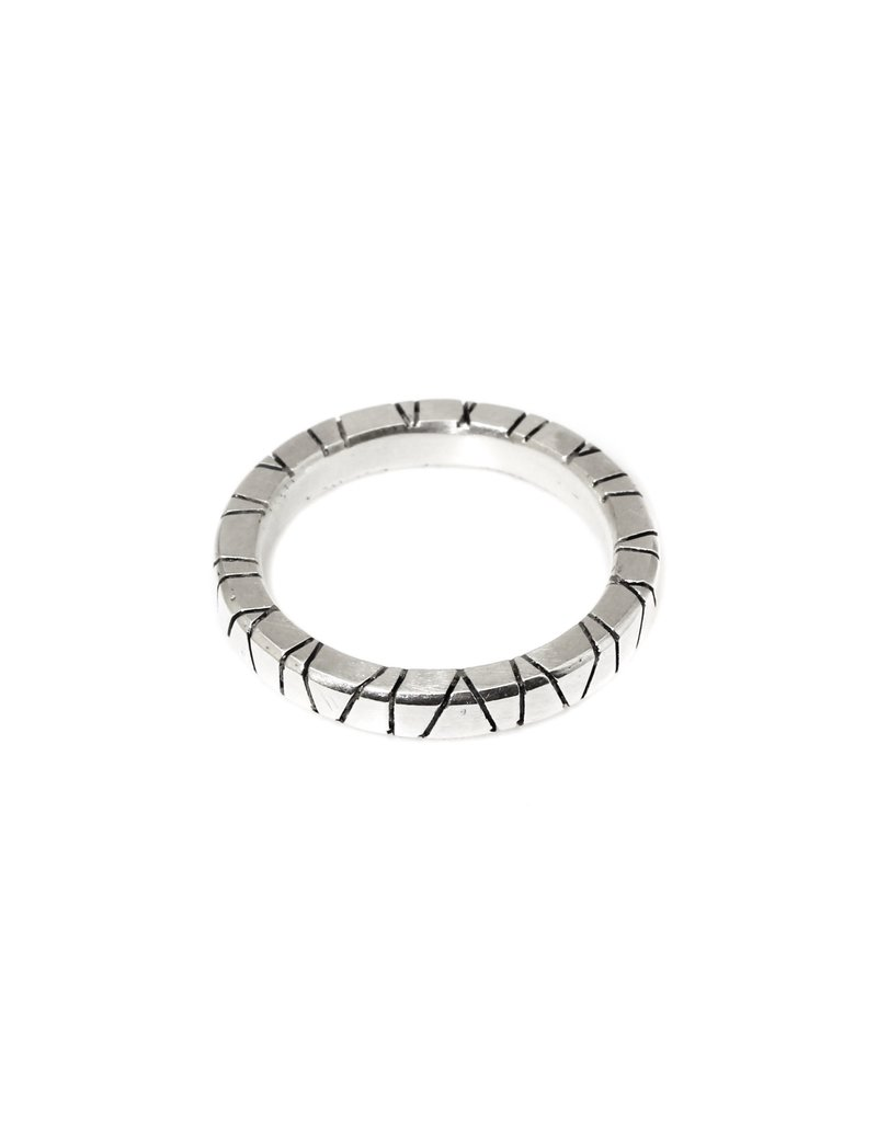 Trevi Pendro Annual Ring in Silver