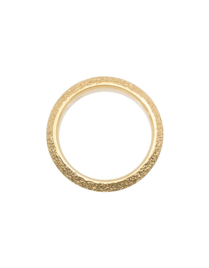 Saucer Sand Band in 18k Yellow Gold