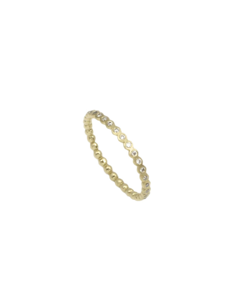 Eternity Band in 18k Yellow Gold with 33 Diamonds