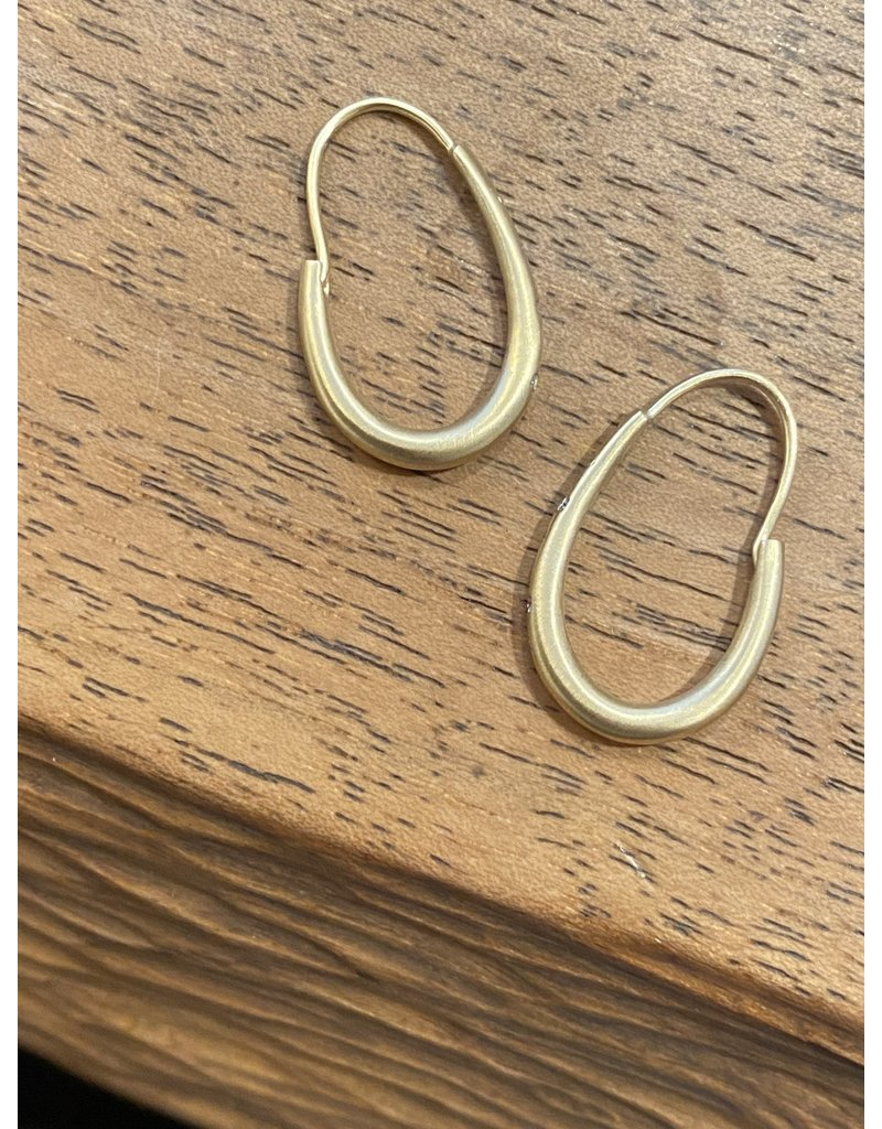 Small Oval Katachi Hoop Earrings with White Diamonds in 18k Yellow Gold
