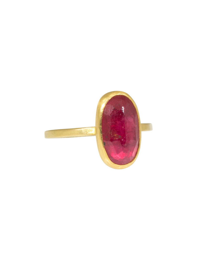 Natural Oval Ruby ring in 20k & 22k Gold