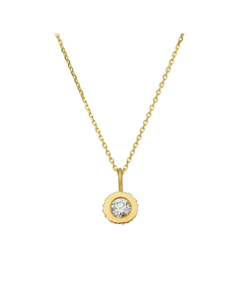 Sand Cup Pendant with White Diamond in 18k Yellow Gold