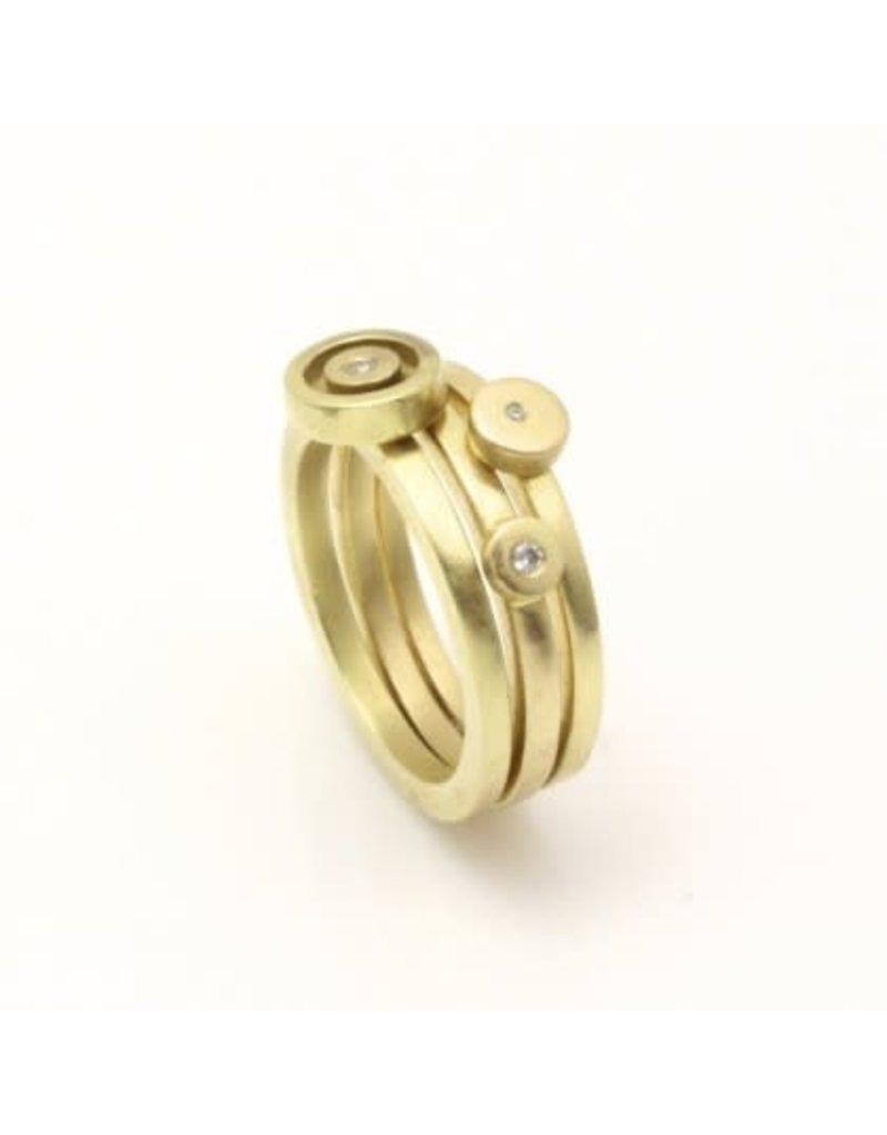 Stacking Circle Ring in 18k Yellow Gold with White Diamond